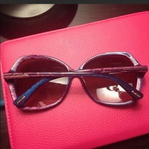 Tom Ford sunglasses, worn once, comes with case